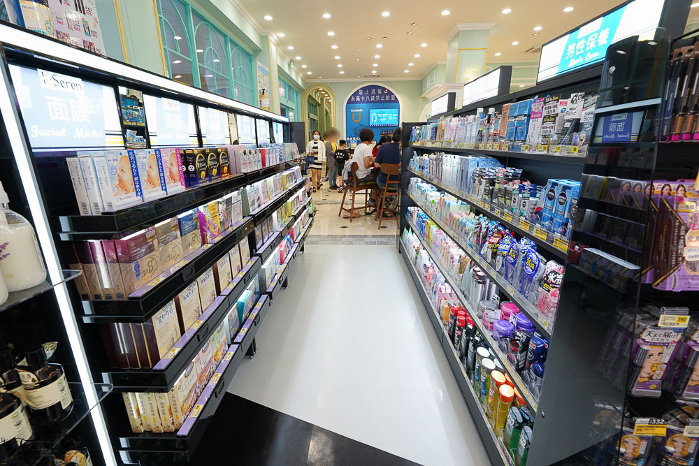 台南大七》Big 7 橋富門市:複合式咖啡、博客來書店、泰國熱壓吐司、Mister Donut甜甜圈、K.Seren美妝、生啤酒!近大橋國中 @緹雅瑪 美食旅遊趣