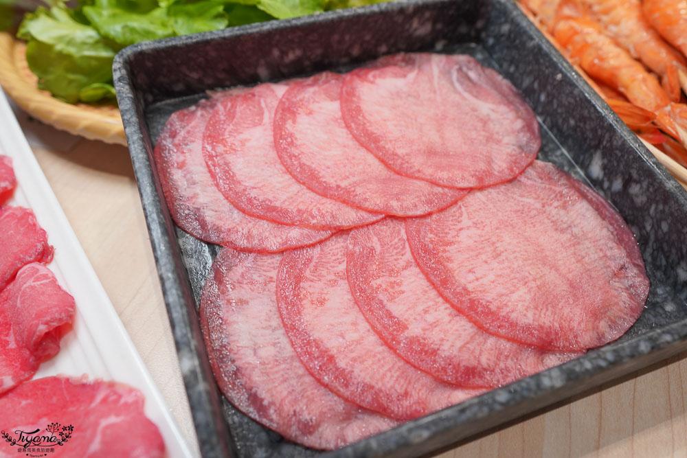 台南星野肉肉鍋plus,獨家升降鴛鴦鍋頂級和牛吃到飽!台南第一家星野肉肉鍋來囉!! @緹雅瑪 美食旅遊趣