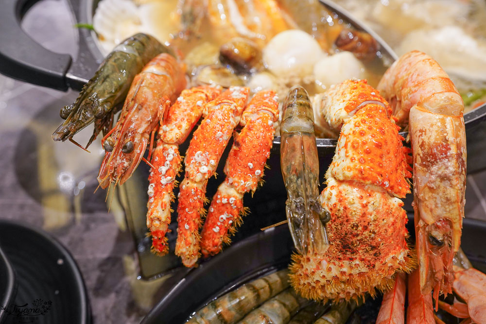 澎湖吃到飽餐廳就是狂!!新巴適經典麻辣鍋,高級肉品、眾多海鮮任你選,單點式火鍋吃到飽! @緹雅瑪 美食旅遊趣