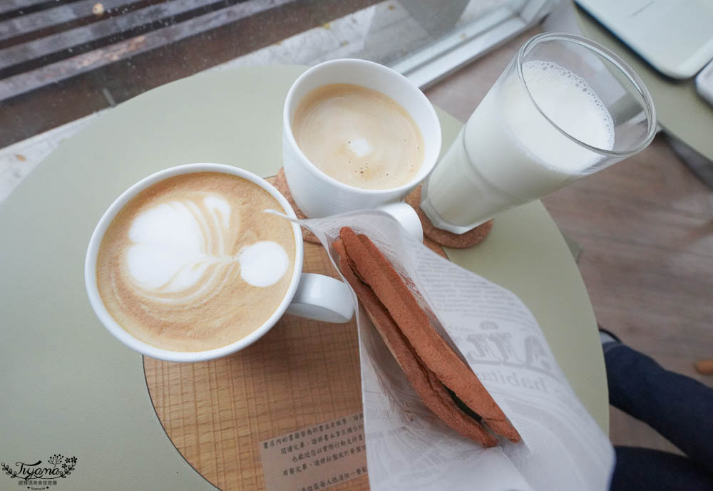 台南最美書店咖啡廳》Ubuntu烏邦圖書店,安平運河旁氣質咖啡廳 @緹雅瑪 美食旅遊趣