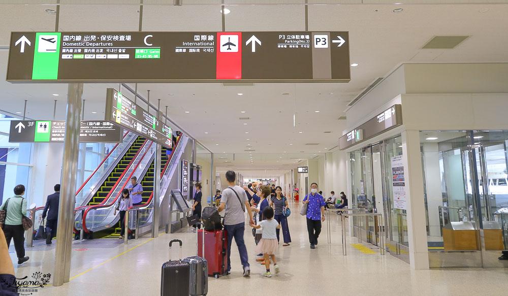 沖繩那霸機場國內線航廈必買必逛的伴手禮品店街,回台灣零食美食補貨站!! @緹雅瑪 美食旅遊趣