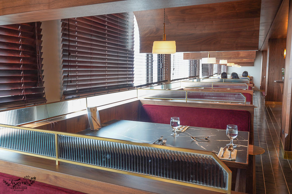 台南西餐廳》圓頂西餐廳移至天下飯店頂樓重新開幕,老台南人的美味記憶!! @緹雅瑪 美食旅遊趣