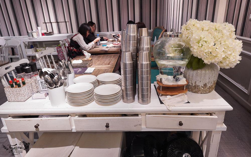 高雄人氣約會餐廳》雛菊鬆餅,美味義式料理,必點夢幻客製化彩繪畫盤棉花糖鬆餅 @緹雅瑪 美食旅遊趣