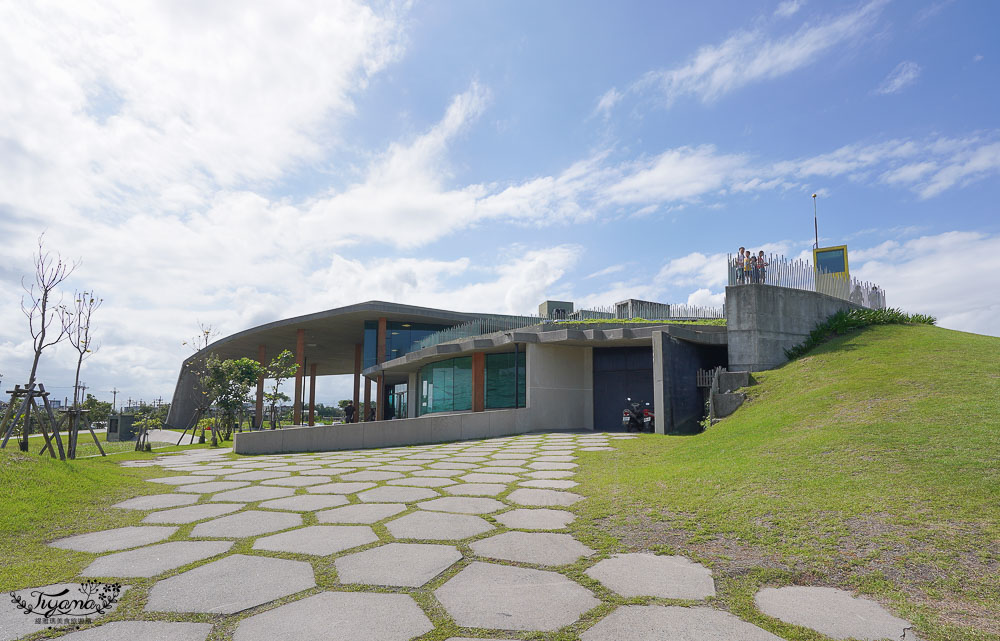 宜蘭免費景點》壯圍沙丘旅遊服務園區,戶外攝影棚般場景的網美景點,蔡明亮導演設計「沙丘展覽館」 @緹雅瑪 美食旅遊趣