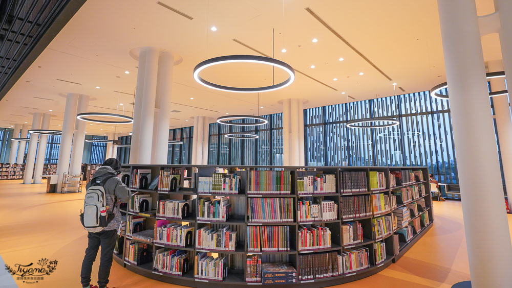 台南市立圖書館新總館 2021年全新完工!!南市圖新總館24小時取還書,不可錯過的新亮點~ @緹雅瑪 美食旅遊趣