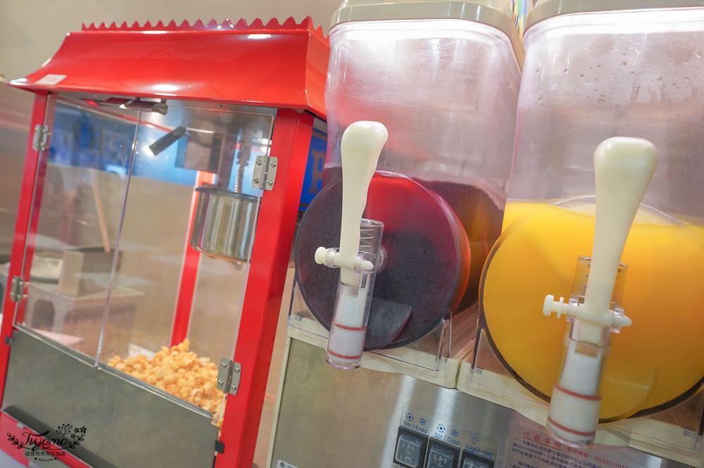 台南新開幕牛排館,牛排11》大口吃牛排, 近40種菜色自助吧,霜淇淋&冰淇淋、濃湯沙拉、切仔肉燥麵&肉燥飯、飲料冰沙、爆米花、紅豆包 @緹雅瑪 美食旅遊趣