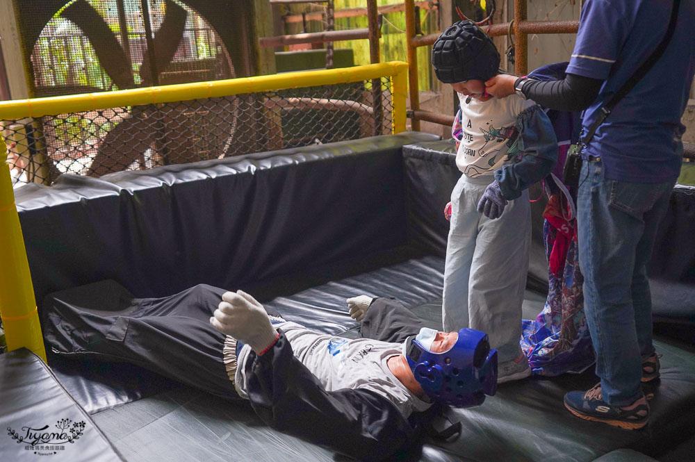 台南景點「十鼓仁糖文創園區」,台版《哈利波特書牆》,瞬間走進魔法學校「霍格華茲學院」,兒童館、超刺激極限運動、天堂路空中鞦韆、超長煙囪滑梯 @緹雅瑪 美食旅遊趣