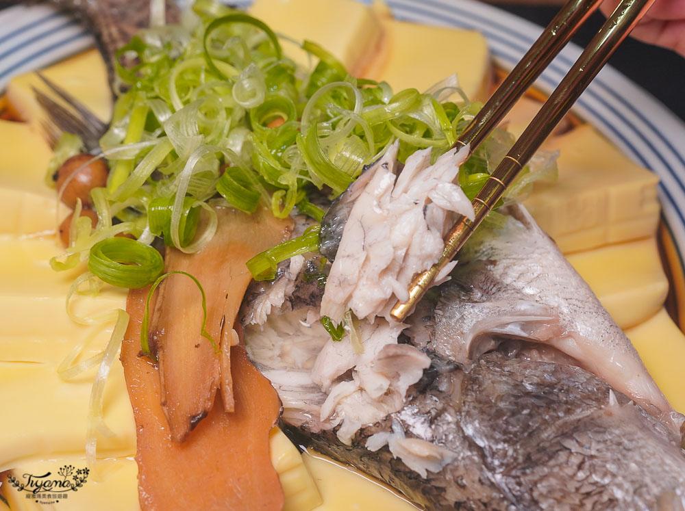 台南西港麻油雞鍋宅配「穀倉餐廳美味箱」人氣料理搬回家!!乾湯兩吃麻油雞(蝦)鍋、剝皮辣椒雞鍋+鮮魚料理組合 @緹雅瑪 美食旅遊趣