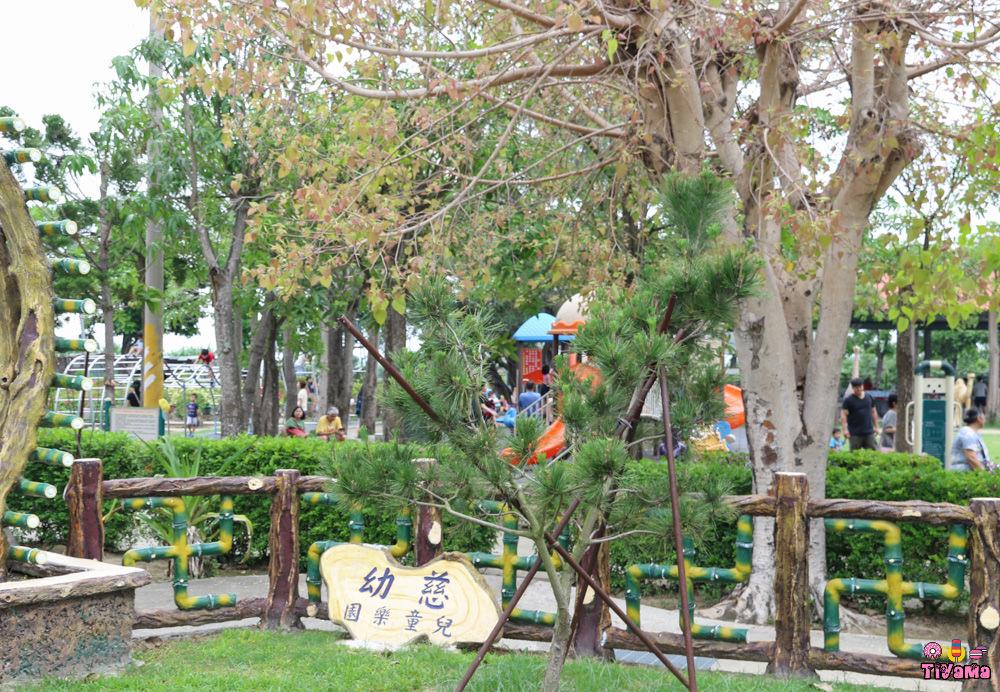 台南佳里滾輪溜滑梯 佳福寺:台南免費景點「超長滾輪溜滑梯」讓你溜、溜、溜不完~ @緹雅瑪 美食旅遊趣