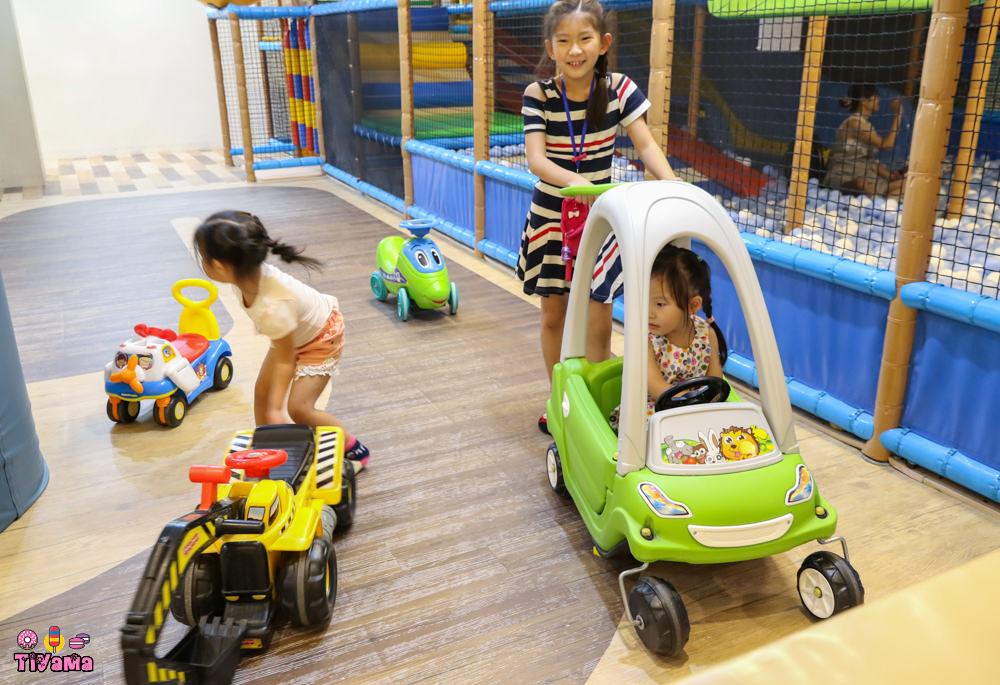 童樂島親子餐廳 府城店|台南親子餐廳:2F整層遊樂設施,有吃有喝又有玩…溜小孩好去處!! @緹雅瑪 美食旅遊趣
