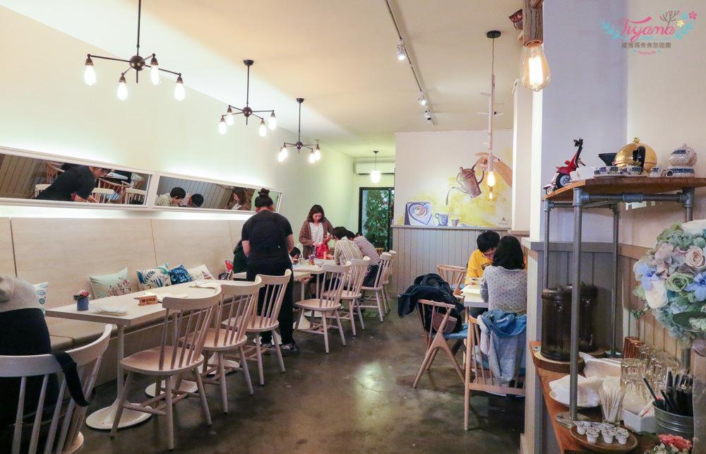 台南下午茶推薦|Autumn舒芙蕾熱 鬆餅:不用到日本就吃得到的草莓鬆餅,沒訂位吃不到(2018.11更新菜單) @緹雅瑪 美食旅遊趣