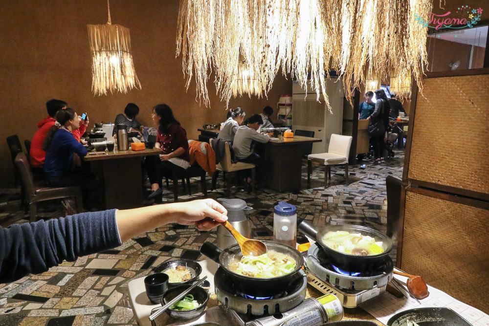 台南西港主題人氣餐廳|穀倉餐廳:麻油雞鍋、剝皮辣椒雞鍋,乾炒&火鍋兩吃「平價雙享受」|黑芝麻霜淇淋|胡麻特色料理 @緹雅瑪 美食旅遊趣
