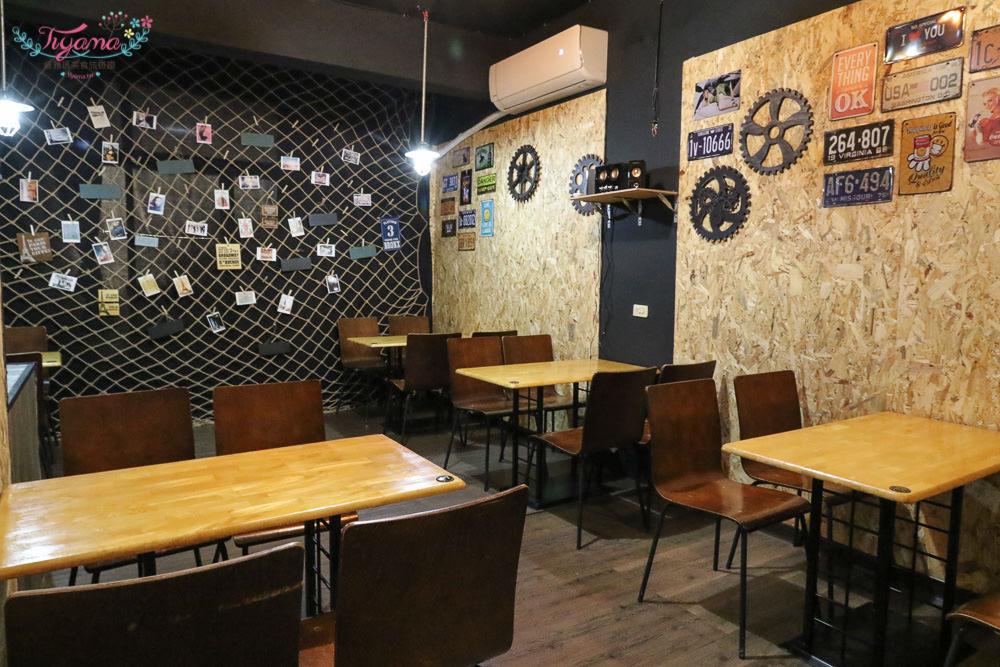 台南新市牛排館|19house炙燒牛排:平價美味牛排,加麵不加價,飲料濃湯任飲!! @緹雅瑪 美食旅遊趣