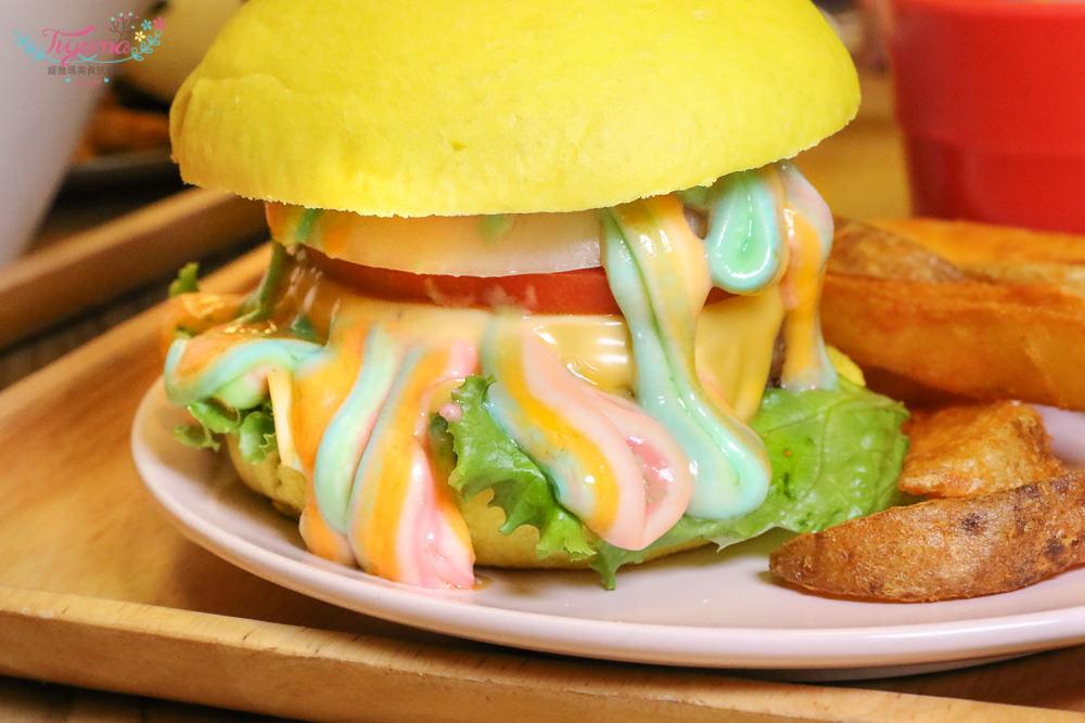 超夢幻彩虹漢堡來襲!雙魚2次方:噴汁手工牛肉漢堡,療癒創意DIY,食尚玩家推薦 @緹雅瑪 美食旅遊趣