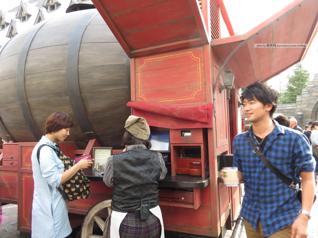 【大阪美食】環球影城.USJ Part 2:哈利波特樂園內「三根掃帚」&「豬頭酒吧」 @緹雅瑪 美食旅遊趣