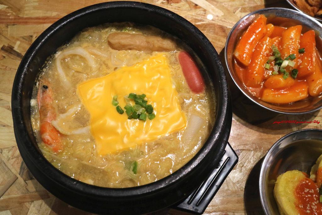 【台南.永康區】韓鍋人-永康店。 平價韓式料理:超好吃的「韓式炸雞」在這裡,部隊鍋、辣炒年糕、炸餃子… @緹雅瑪 美食旅遊趣
