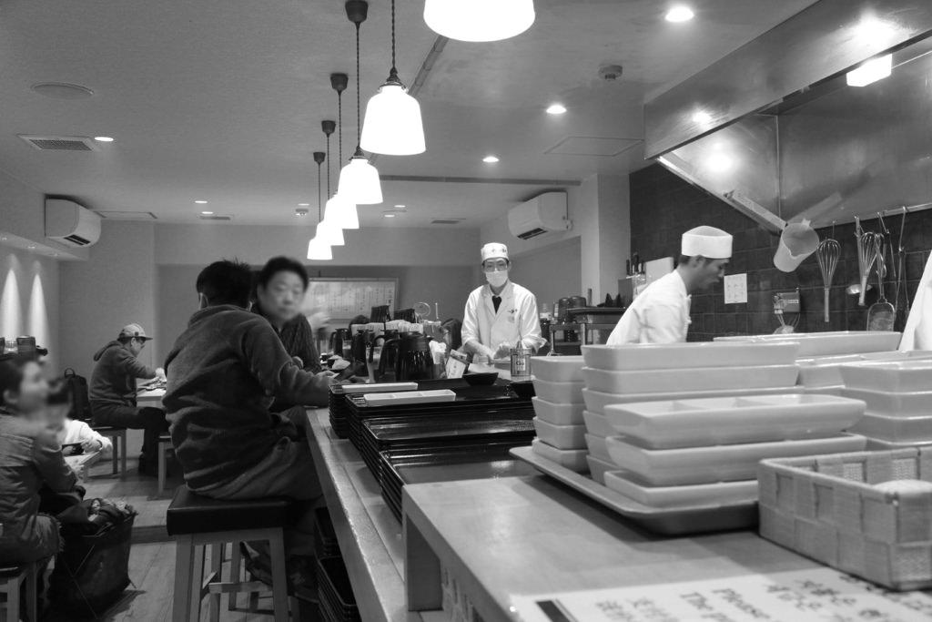 【京都美食】牛カツ専門店 京都勝牛。京都駅前:黑毛牛炸肉排,60秒高溫油炸的上等美味 @緹雅瑪 美食旅遊趣