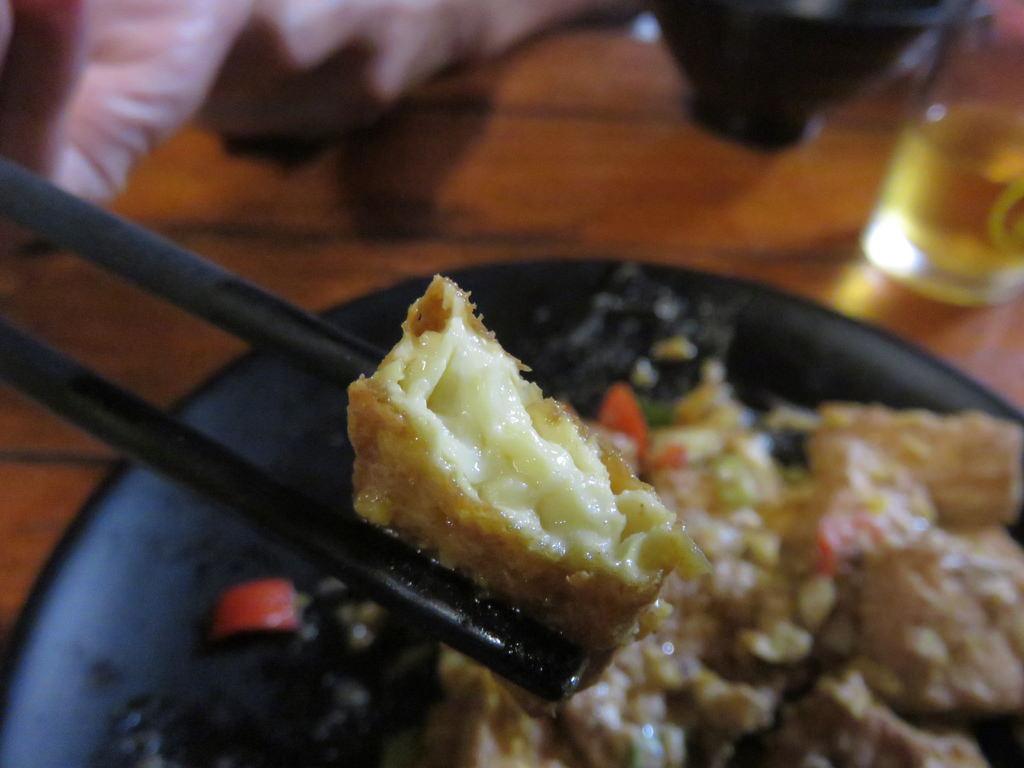 【台南.東區】府城騷烤家。台南必吃:炭火烤功一流,國際知名導演、各地饕客也愛的好滋味 @緹雅瑪 美食旅遊趣