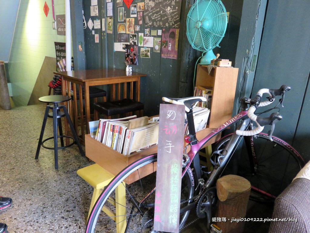 【台南.中西區】卡加米亞咖啡:老屋早午餐.輕食.手作甜點.咖啡,放鬆發呆的祕密基地 @緹雅瑪 美食旅遊趣