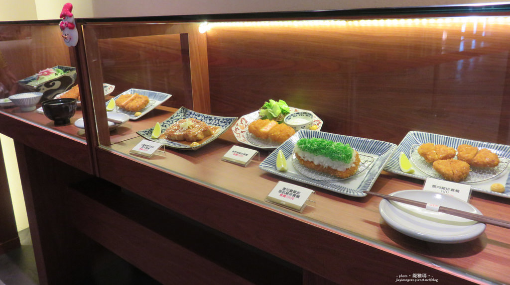 【高雄.前鎮區】銀座杏子日式豬排。高雄夢時代店:美味度破錶的日式豬排 @緹雅瑪 美食旅遊趣