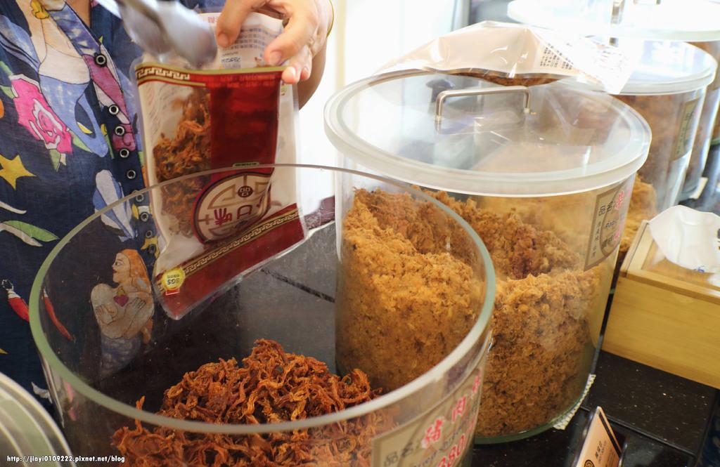 【台南.麻豆區】合口味肉品。麻豆必買伴手禮:「現烤蜜汁肉乾」大人小孩都愛這一味! @緹雅瑪 美食旅遊趣