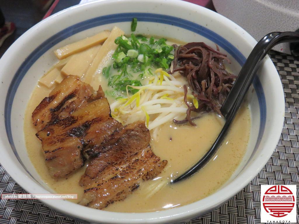 【台南.東區】山小屋 Yamagoya Taiwan/台南:道地日本拉麵台南就吃得到&十本盛炸串一級棒 @緹雅瑪 美食旅遊趣