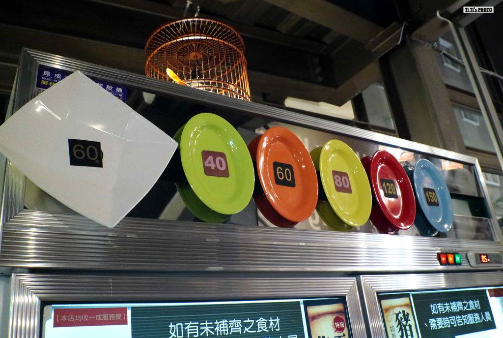 【台南.中西區】路上海-蒸籠海鮮火鍋。西門店:一鍋三吃蒸籠海鮮火鍋好過癮,「特大生蠔」大尺寸豪邁登場 @緹雅瑪 美食旅遊趣