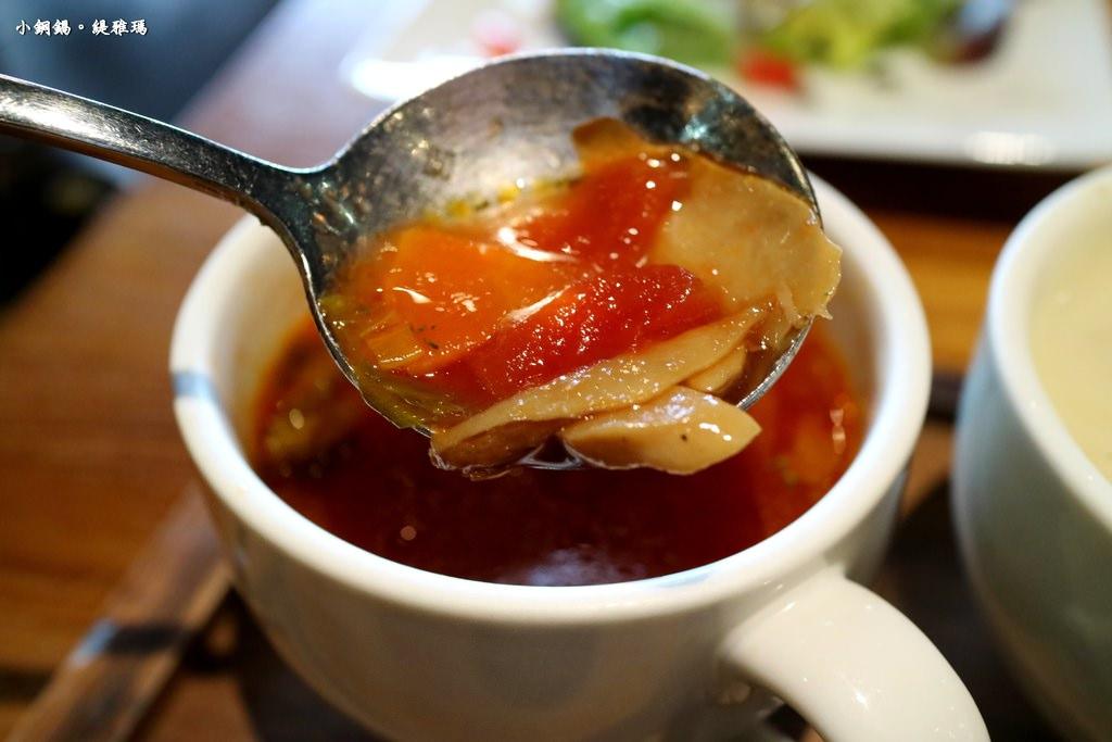 【台南.東區】Les Petits Pots 小銅鍋。德安誠品店:二訪法式小酒館,「樂樂分享餐 」大家庭聚餐的好選擇 @緹雅瑪 美食旅遊趣