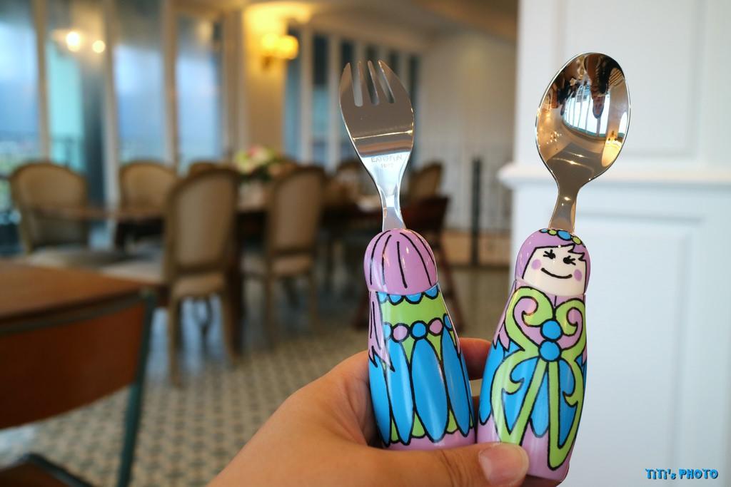 【親子育兒】小小家 Eat4Fun。美國品牌/兒童不鏽鋼餐具:「316醫療級不鏽鋼製成」吃飯也可以很有趣!! @緹雅瑪 美食旅遊趣
