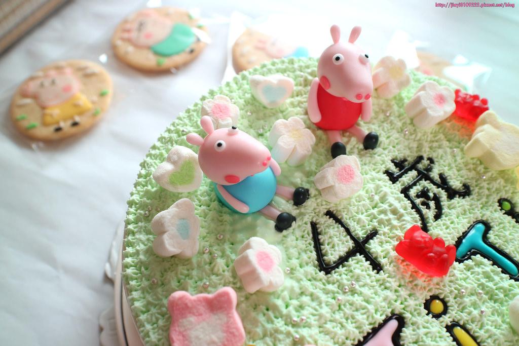 【台南.永康區】山寨蛋糕-造型蛋糕 糖霜餅乾:佩佩豬+喬治造型蛋糕、糖霜餅乾,慶生大成功! @緹雅瑪 美食旅遊趣