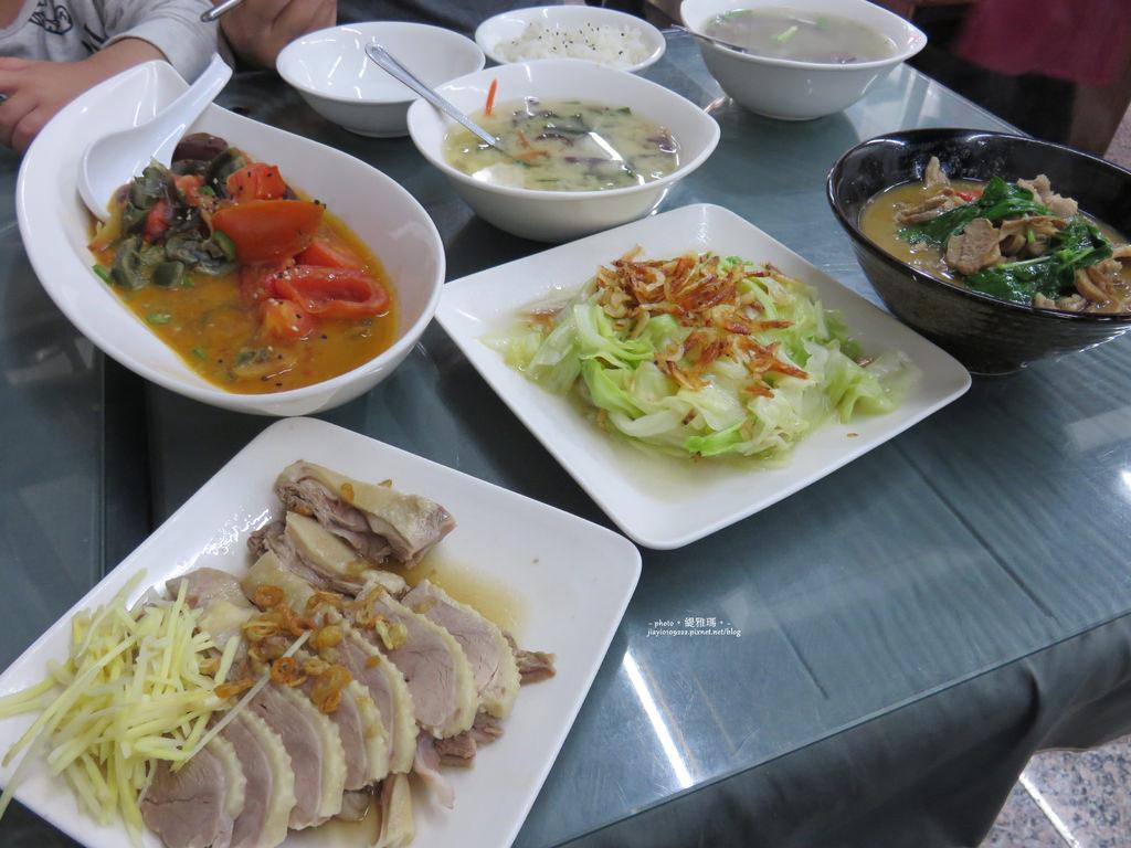 【宜蘭.礁溪鄉】合鴨米灶腳:三杯會鴨肉、鴨肉切盤、鴨血湯 @緹雅瑪 美食旅遊趣