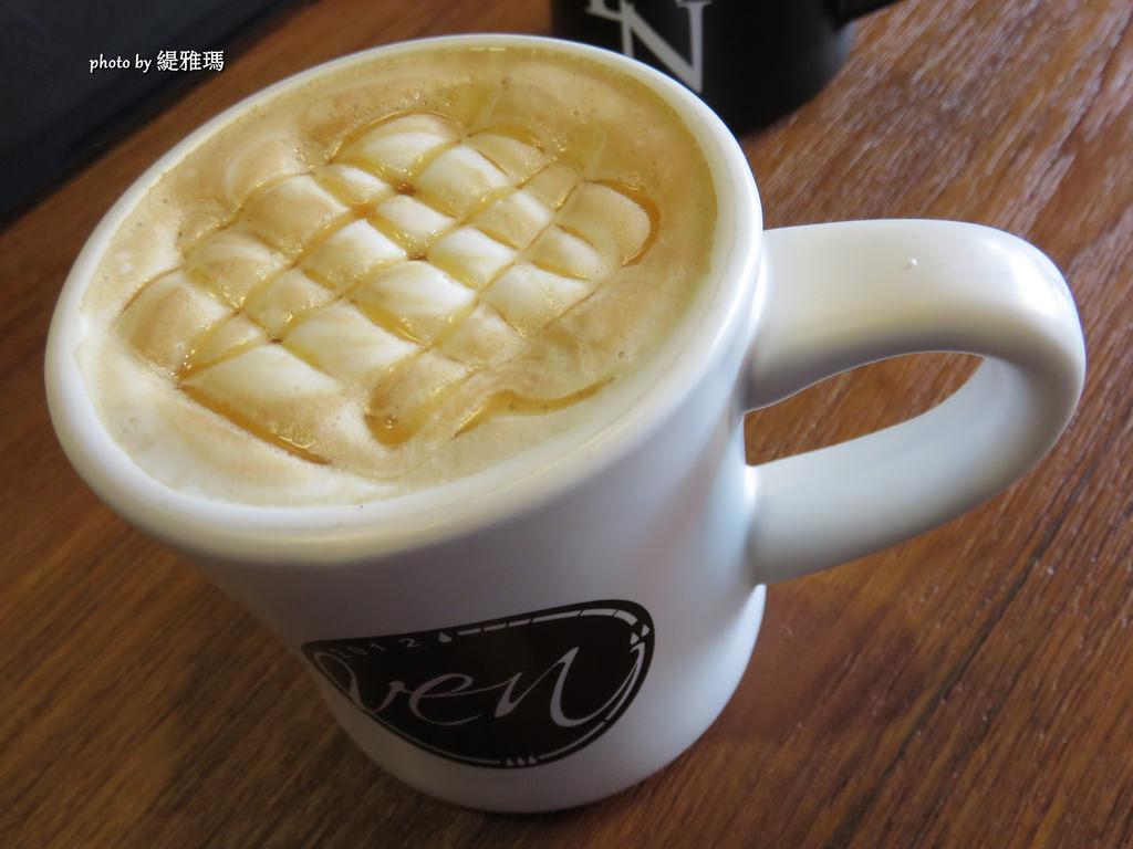 【台南.東區】OVEN COFFEE。台南東寧店:黃金起士軟法麵包、日式鯛可頌、比利時鬆餅 @緹雅瑪 美食旅遊趣