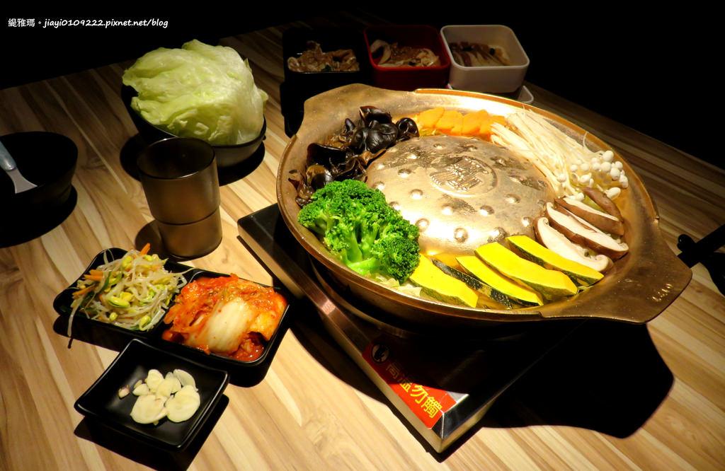 【台南.中西區】銅盤嚴選韓式烤肉。台南中山:韓式烤肉吃到飽+8道超值單點韓國經典料理+4道單點雪花冰,美味吃飽飽! @緹雅瑪 美食旅遊趣