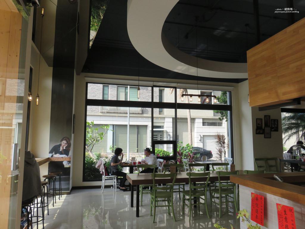 【台南.安平區】95咖啡。早午餐:鑄鐵鍋早午餐 豪邁登場 @緹雅瑪 美食旅遊趣