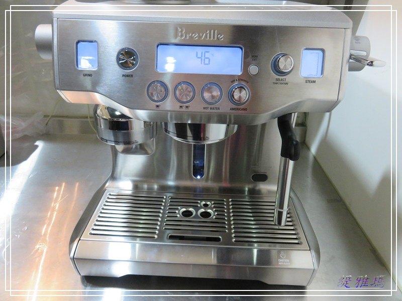 Breville BES980XL 智慧型半自動式咖啡機.自動磨+填壓+打奶泡.在家自己就是職業級咖啡師 @緹雅瑪 美食旅遊趣