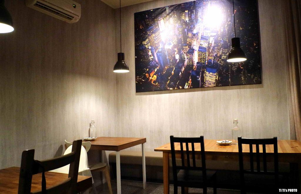 【高雄.新興區】小義樓 kitchen。義泰料理餐酒館:義式.泰式一次滿足,隨興自在氛圍小酒餐 @緹雅瑪 美食旅遊趣