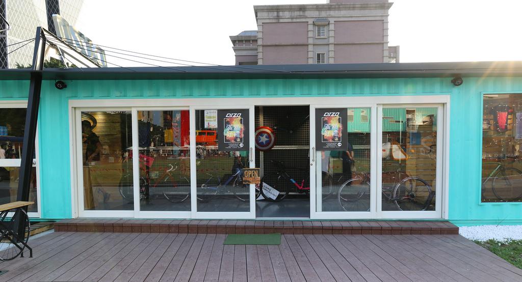【高雄景點】集盒.Kubic:彩色貨櫃聚落&市集,熱門新景點 @緹雅瑪 美食旅遊趣
