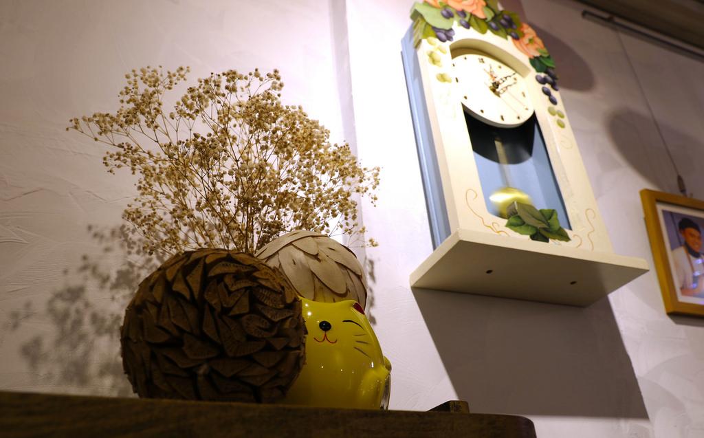 【嘉義.西區】舊時光新鮮事:讓你排餐帶著吃「花朵杯」&繽紛「雪嶺鮮果塔」+炫麗液態氮 @緹雅瑪 美食旅遊趣