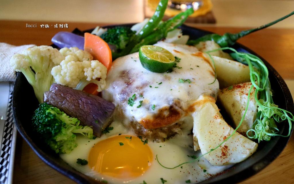 【台南.東區】Dacci 打趣,法式廚房。早午餐.法國菜:法國小酒館氛圍內的早午餐~ @緹雅瑪 美食旅遊趣